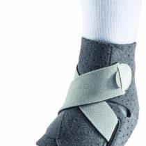 "'Mueller 6317ML""Adjust to Fit Ankle Support Bandage"
